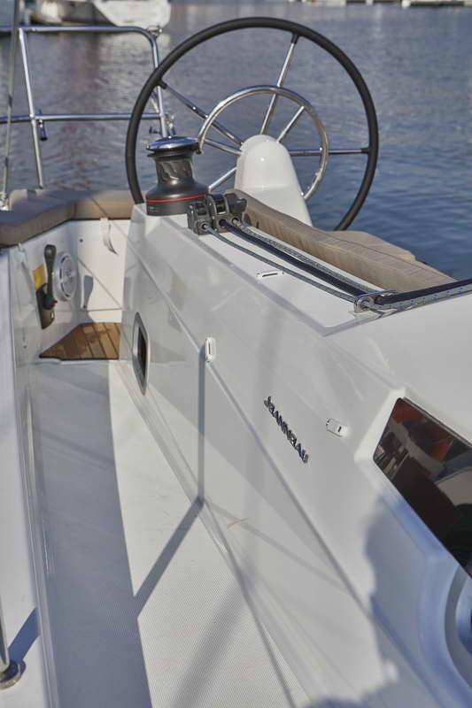 Trend Travel Yachting Sun Odyssey 410 Aussen (7)