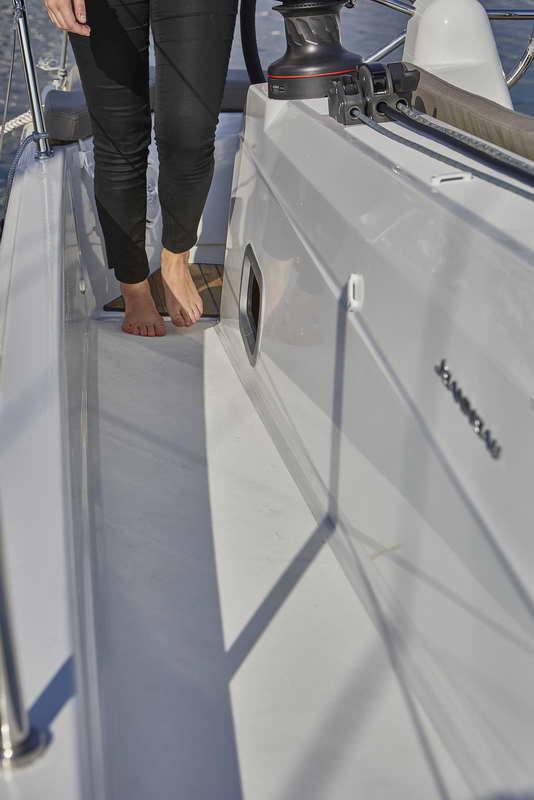 Trend Travel Yachting Sun Odyssey 410 Aussen (8)