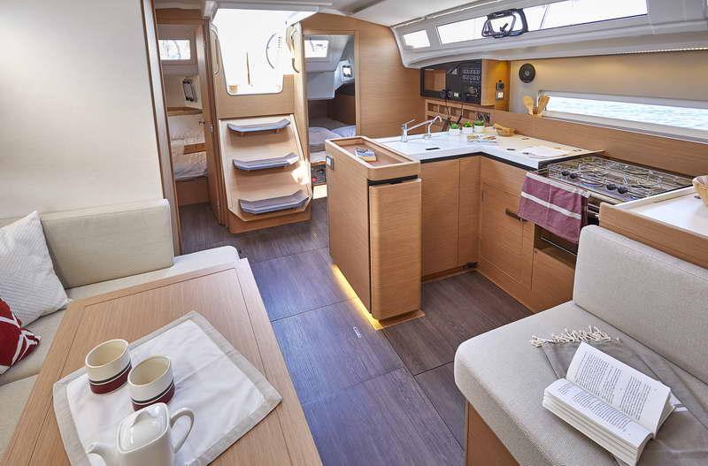 Trend Travel Yachting Sun Odyssey 410 Innen (6)