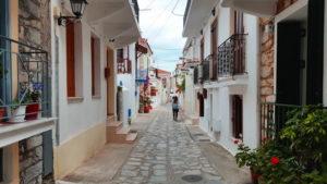 Trend Travel Yachting Charter Skiathos im Dorf