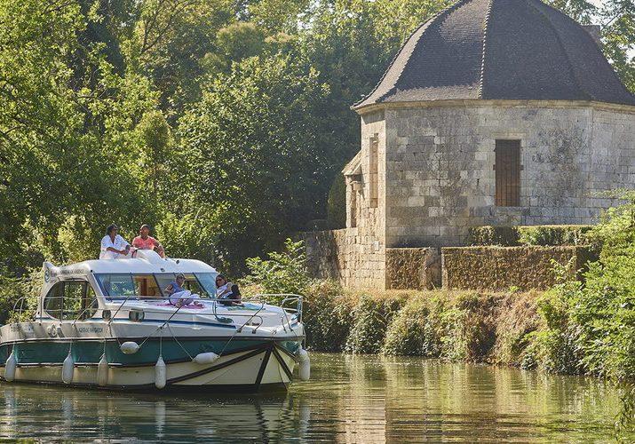 Hausbootcharter Frankreich bei Trend Travel und Yachting. Bereits ab 3 Tage möglich.